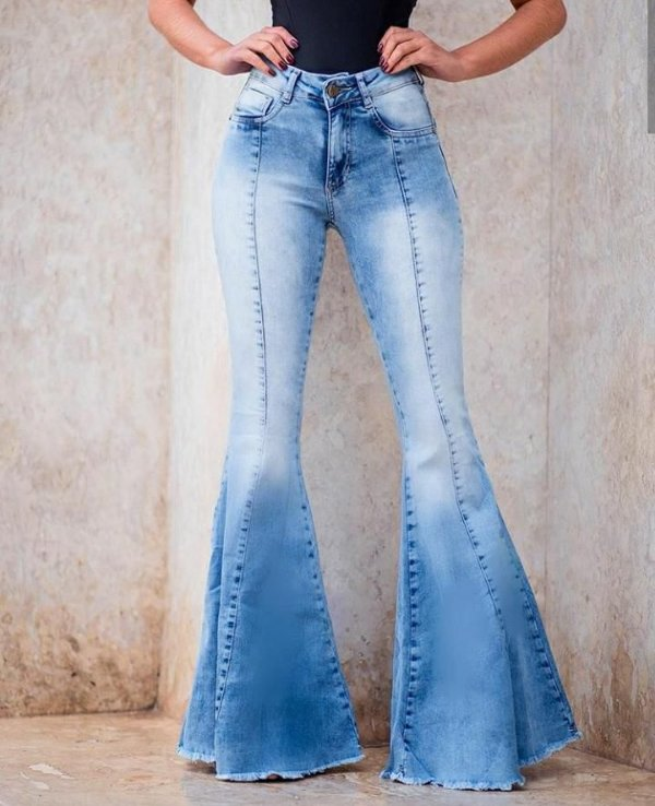 Calça jeans maxi flare - lavagem clara