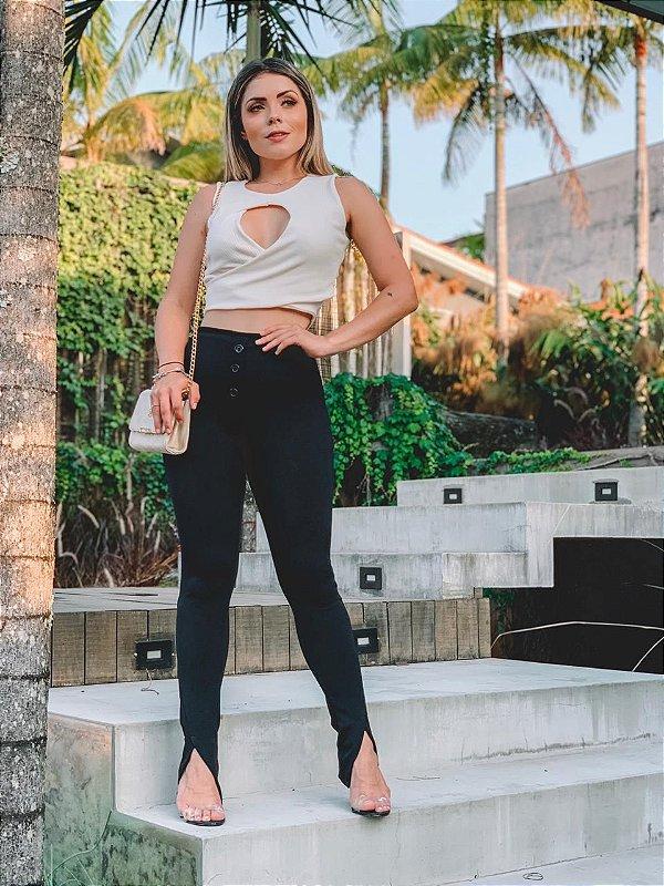 Calça skinny com detalhe na barra - Preta