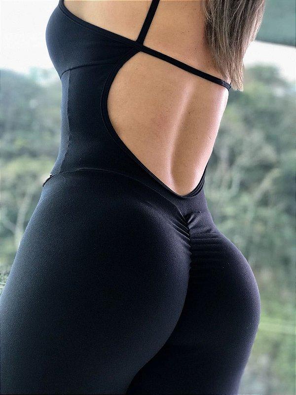 Macacão fitness levanta bumbum na cor preta - tamanho único