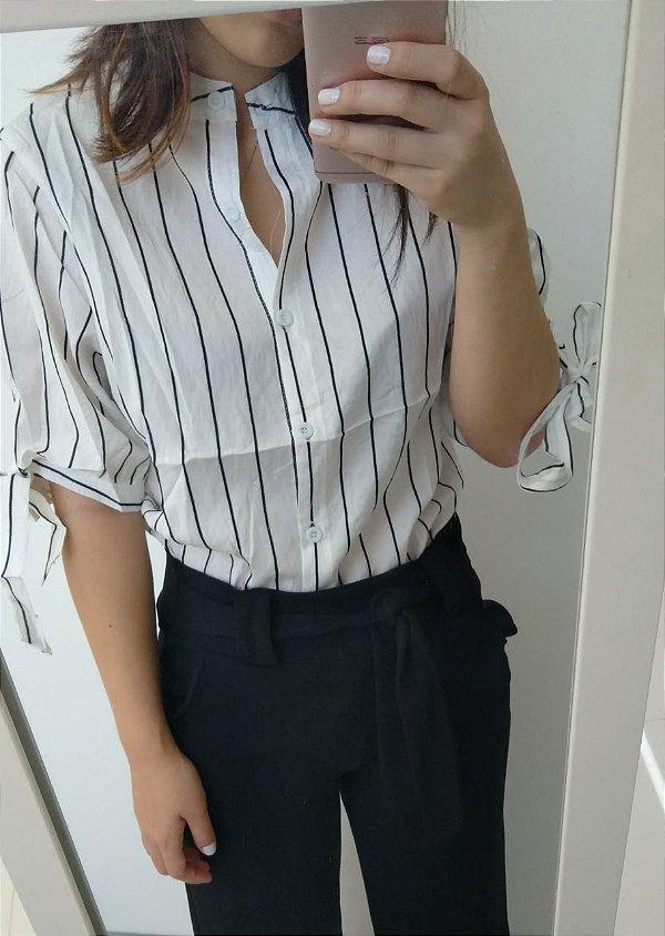 Camisa listrada com manga lacinho