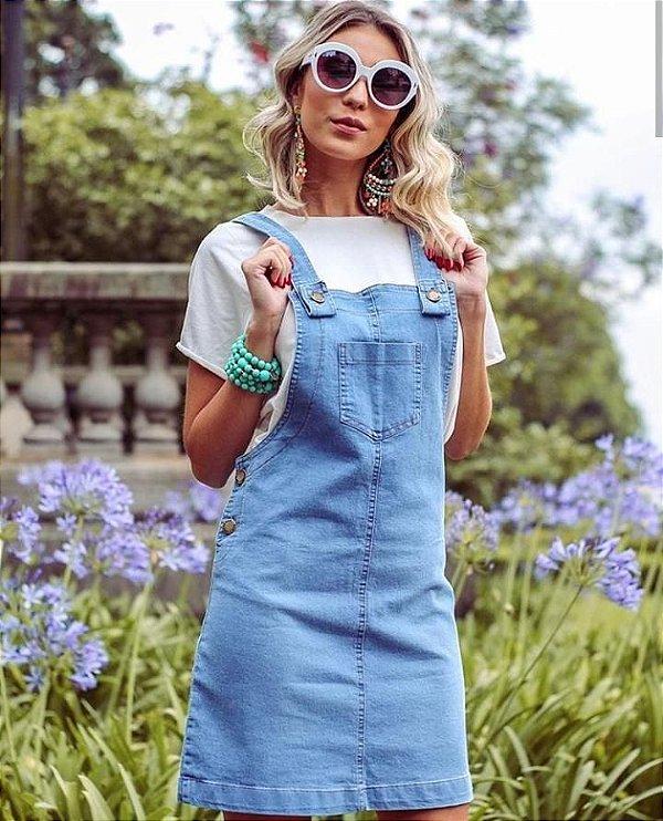 Jardineira jeans linda - lavagem clara