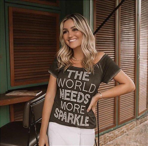 T-shirt com pedrarias brilhantes The World Needs More Sparkle