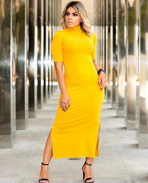 Vestido midi de malha canelada e gola alta - Amarelo - Tamanho único