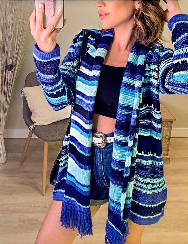 Maxi cardigan de tricot com cachecol embutido - tons de azul