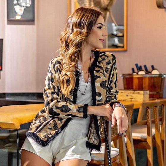 Casaqueto em tricot com fio metalizado e angorá - Animal print