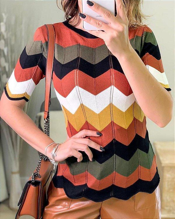 Blusa tricot em padronagem chevron colorida