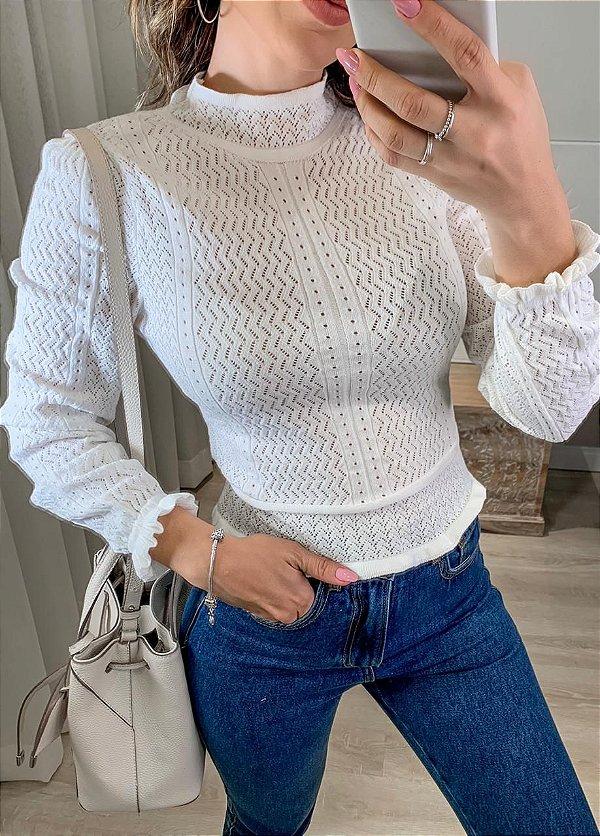 Blusa em tricot estilo romântico - off white