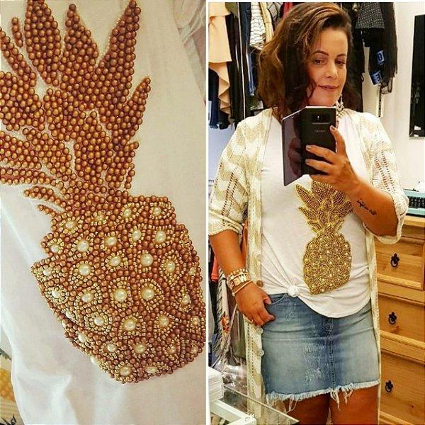 T-shirt bordada à mão - pineapple