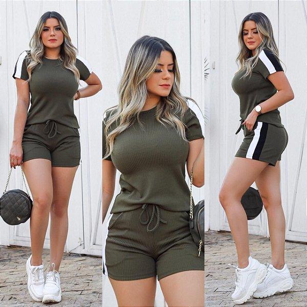 Conjunto shortinhos malha canelada - verde militar