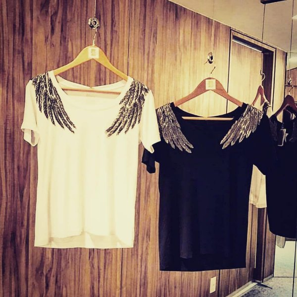 T-shirt bordada à mão - Wings