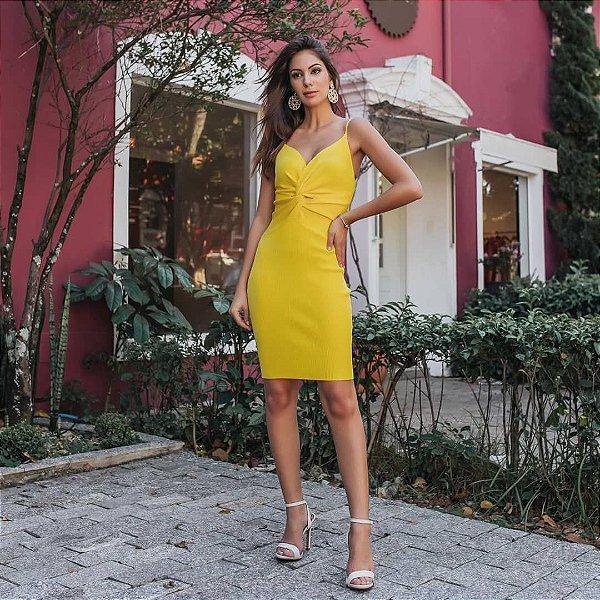 Vestido de tricot decote nózinho - Amarelo