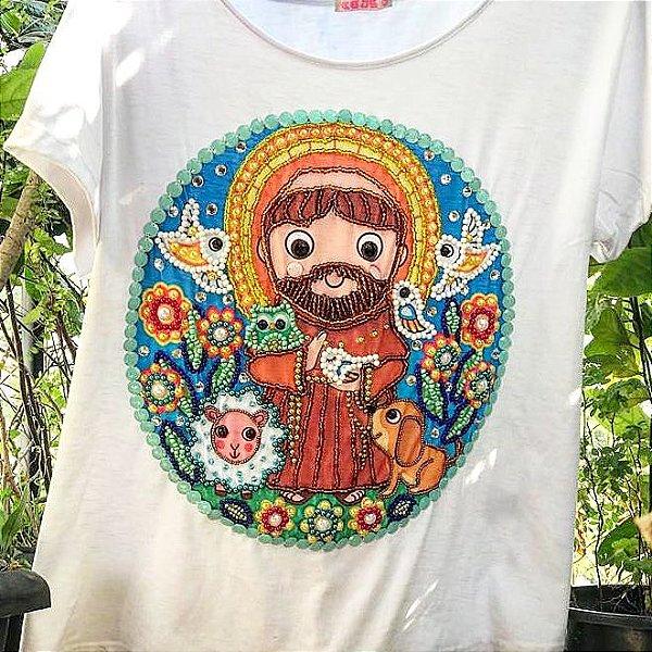 T-shirt - Santinho - bordada à mão