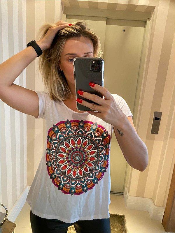 T-shirt bordada à mão até o tamanho Plus Size - Mandala