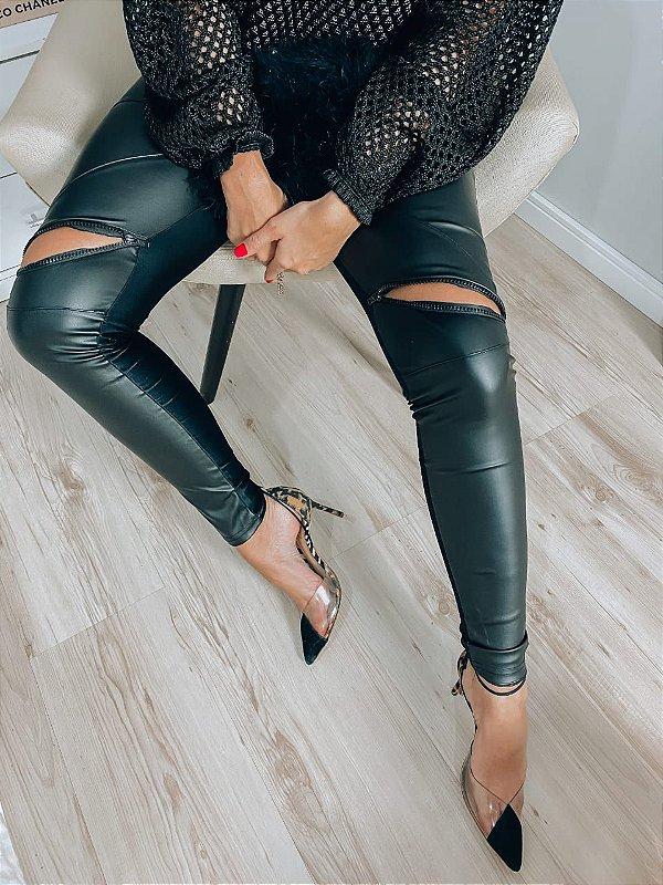 Calça preta Prada + couro eco + ziper