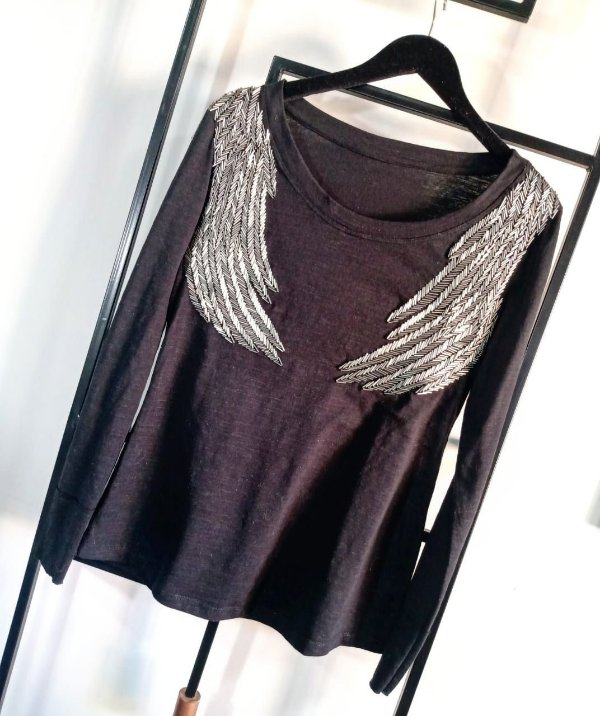 T-Shirt Bordada Wings Manga Longa - Preto