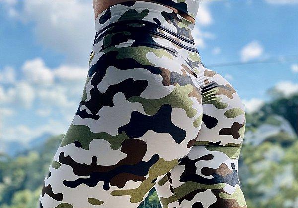 Calça legging fitness levanta bumbum camuflada