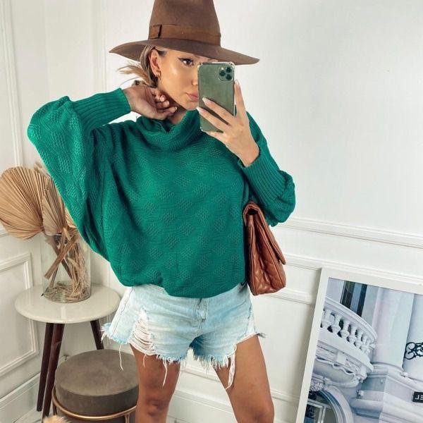 Blusa estilo morcego em tricot na cor verde
