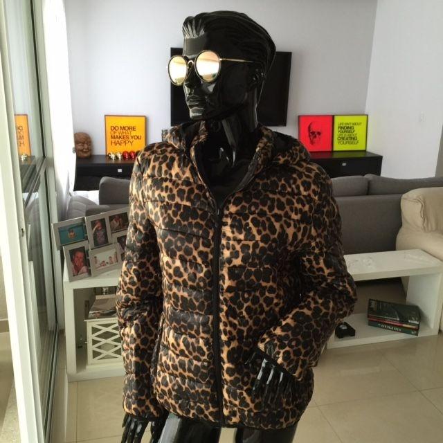 Jaqueta em nylon animal print