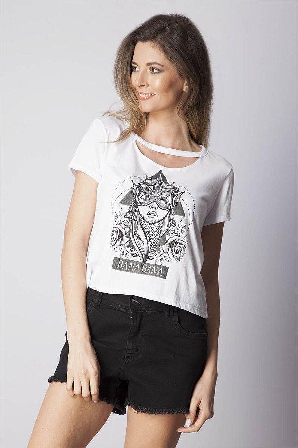 T-Shirt Bana Bana com Recortes e Estampa Branco