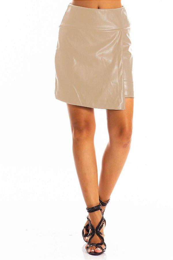 Saia Bana Bana Curta em Leather Assimétrica Nude