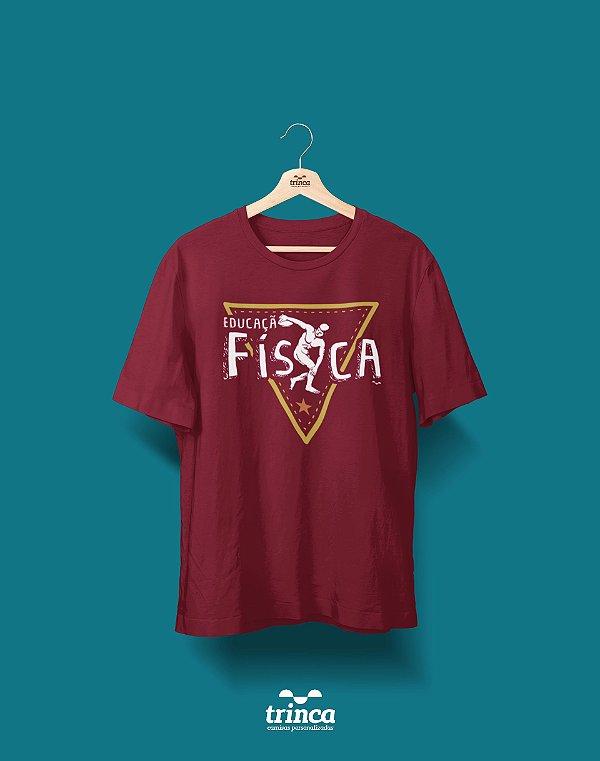 Camisa Educação Física - Que Físico - Bordô - Premium