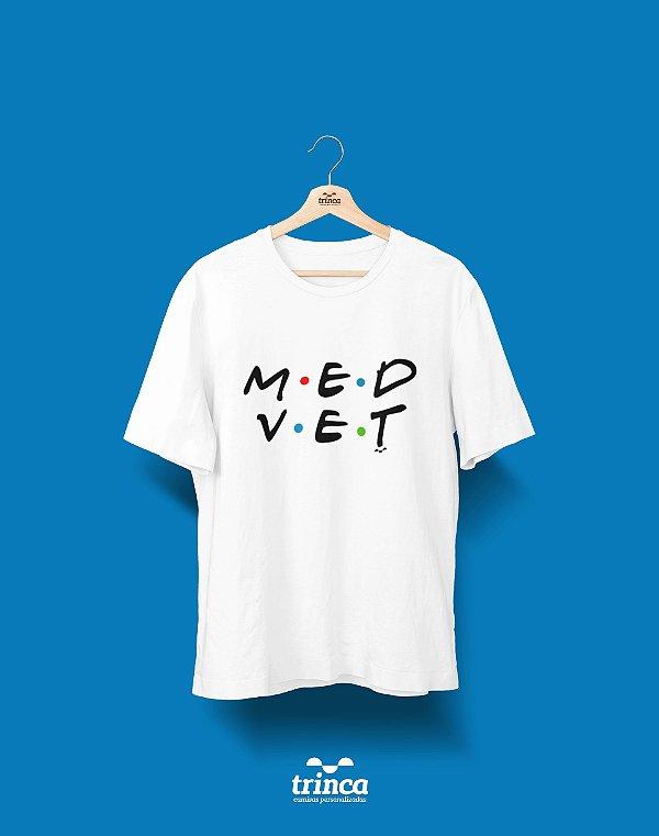 Camisa Universitária Medicina Veterinária - Friends - Basic