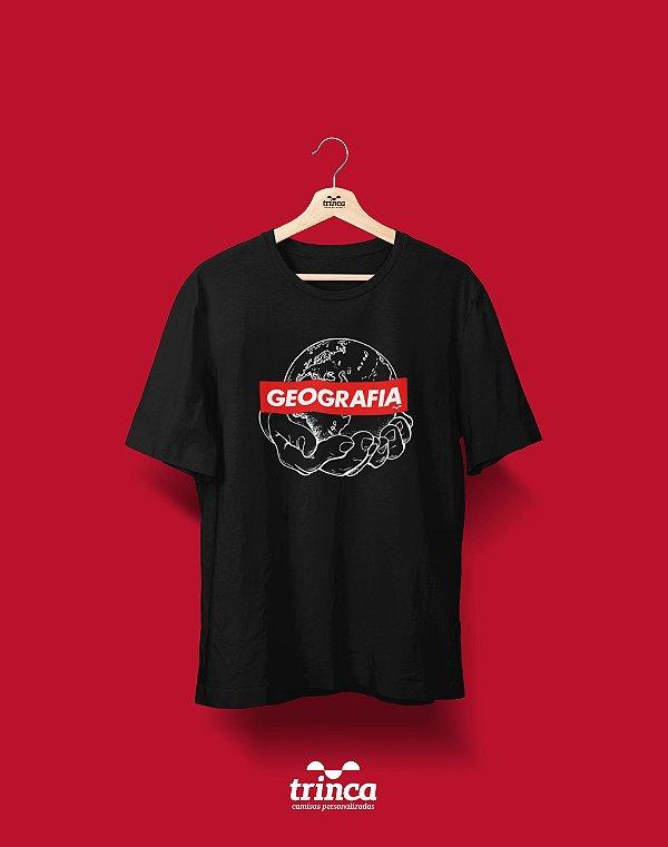 Camiseta Universitária - Geografia - Supreme - Basic