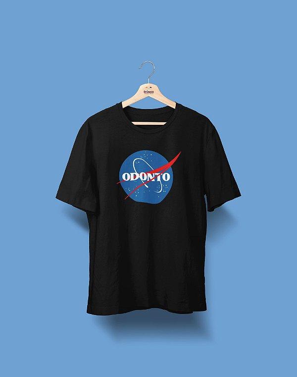 Camiseta Universitária - Odontologia - NASA - Basic