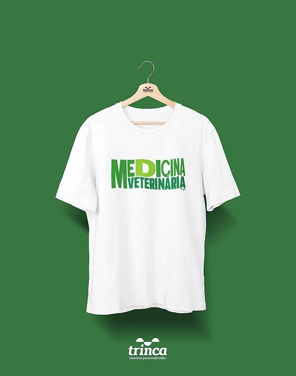 Camisa Universitária Medicina Veterinária - Med Vet Planet - Basic