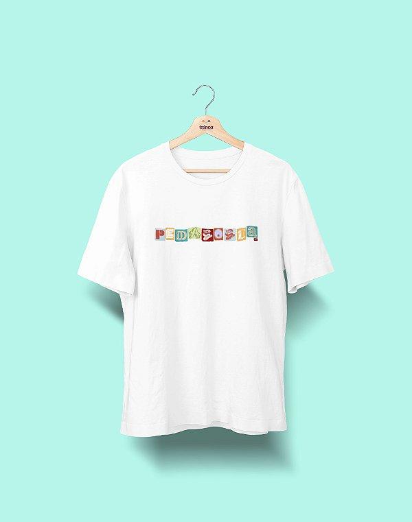 Camiseta Universitária - Pedagogia - Colagem - Basic