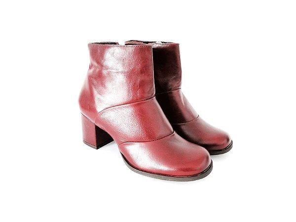 Bota de Couro Cano Curto e Bico Redondo Marsala - Dalí Shoes