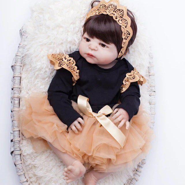449634c59 Boneca Bebê Reborn Menina Silicone Pode dar Banho Cabelo Preto ANA VICTORIA