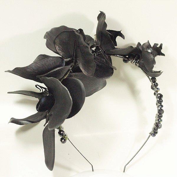 Tiara de Orquídeas Negras e Cristais Orion