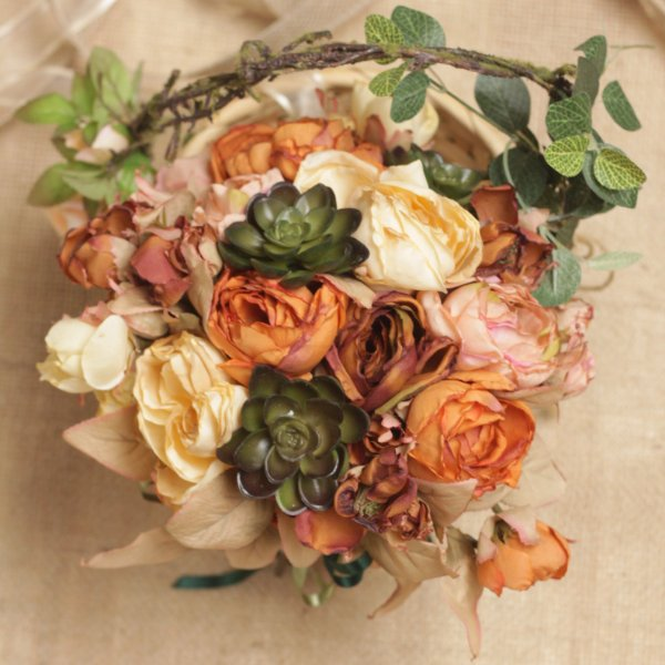 Buquê de Flores Noiva Suculenta Camélia