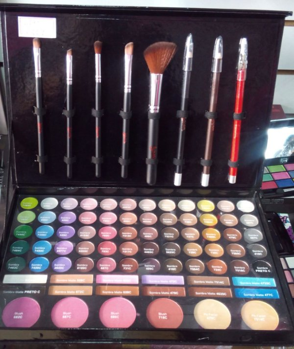 Paleta de Maquiagem Mega Color Luisance L248