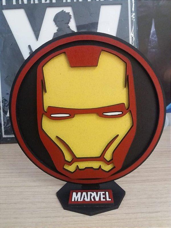 Brasão em MDF Marvel Homem de Ferro 14,5 x 15,0 cm