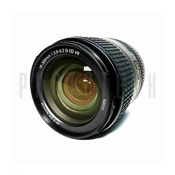 OBJETIVA NIKON 18-300mm f/3.5-6.3