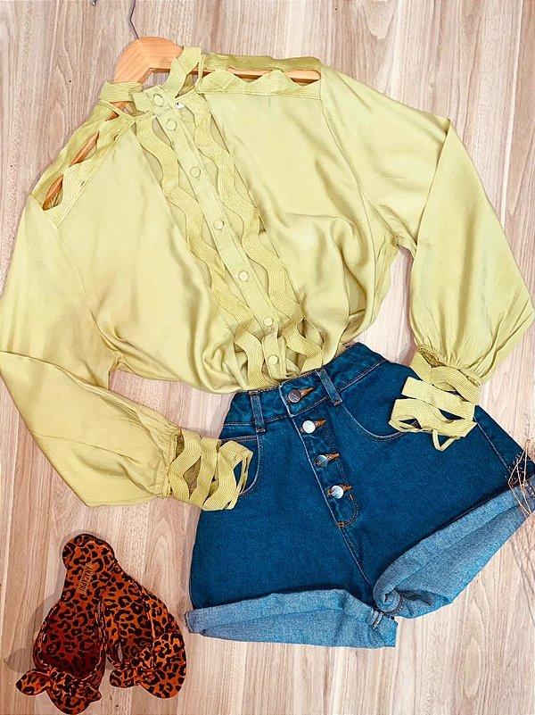 Camisa com Detalhes Vazados Fashion Sarah Verde Claro