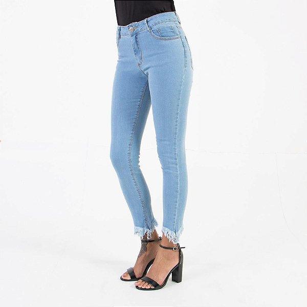 Calça Jeans Lady Rock Skynny com Desfiado CL03023