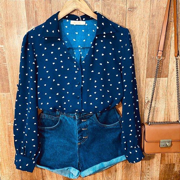 Camisa Monalisa Decote V Mini Corações Azul Marinho