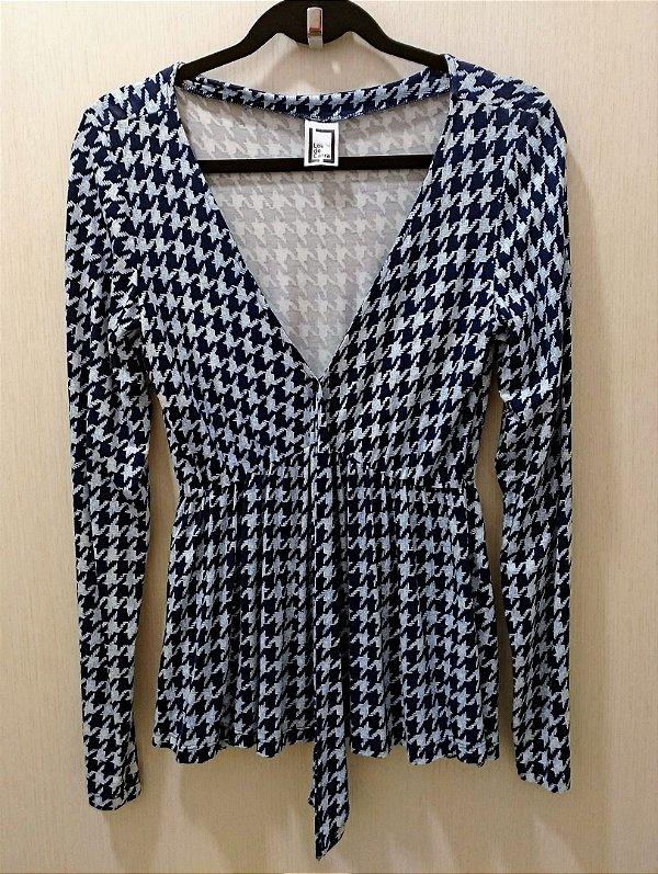 Blusa Estampada com laço no Decote