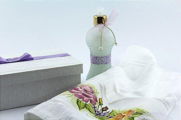 Caixa decorada para madrinha completa ( com toalha e sabonete líquido )