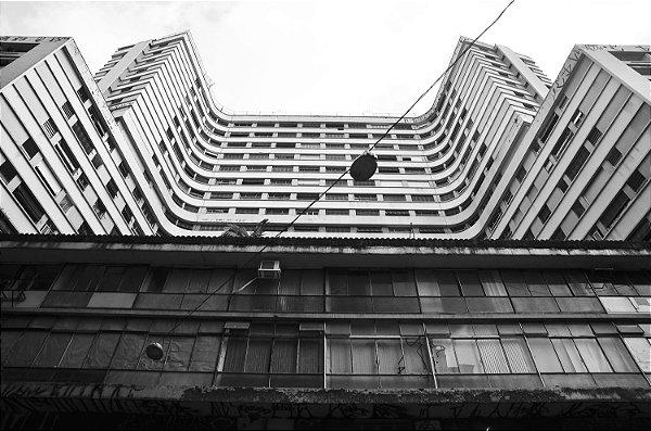 Paisagem urbana em decadência - Boulevard do Centro - © Julio Bomfim - Impressão Fine Art