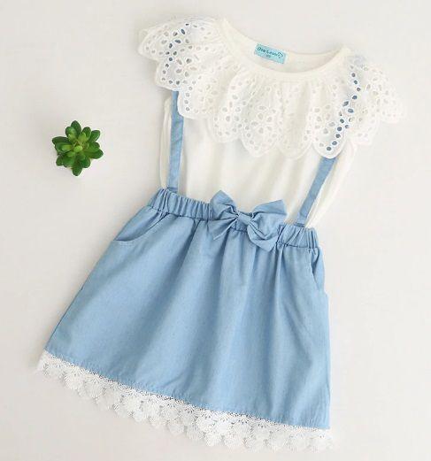11375eafe8 Vestido Infantil para Meninas Estilosas Azul-Aço e Branco Médio. Jardineira.  Casual e