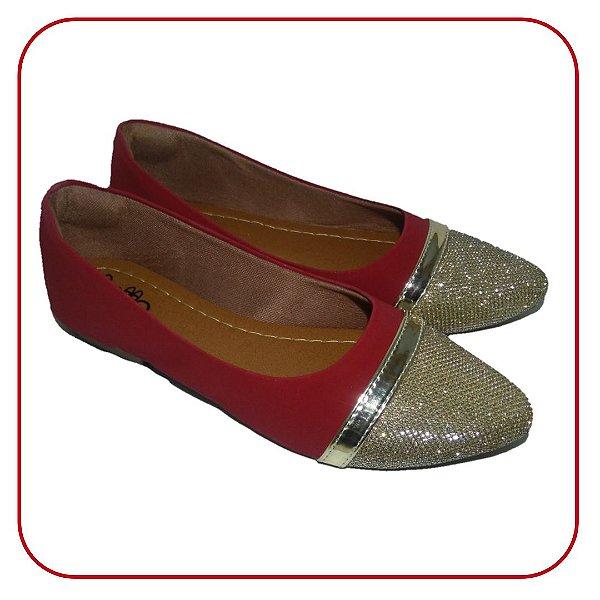 Sapatilha em Nobuck Vermelho com Bico Dourado. Um Luxo ! Mais uma da linha Heel Comfort para maior conforto em seu calcanhar !