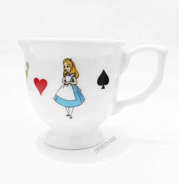 Xícara Alice no pais das maravilhas