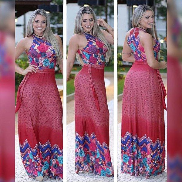 Vestido longo com estampa no cropped e saia vermelha