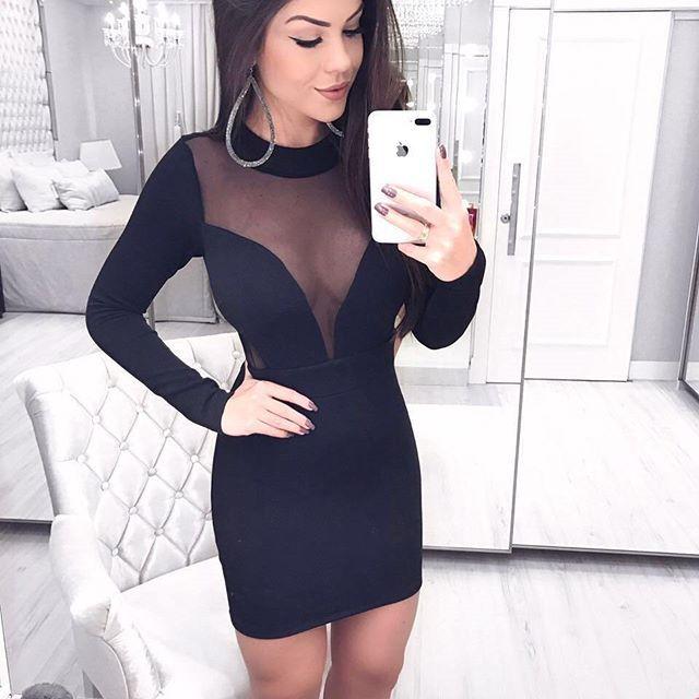 Vestido manga longa e tule preto