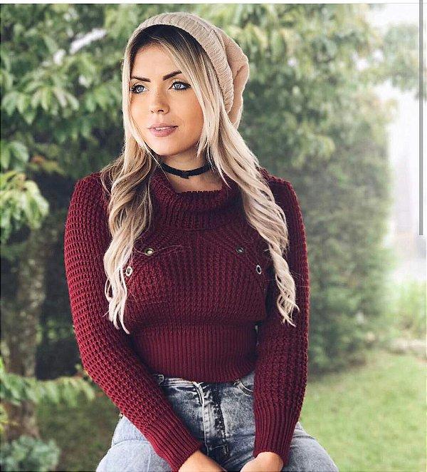 Cropped de trico com ilhós