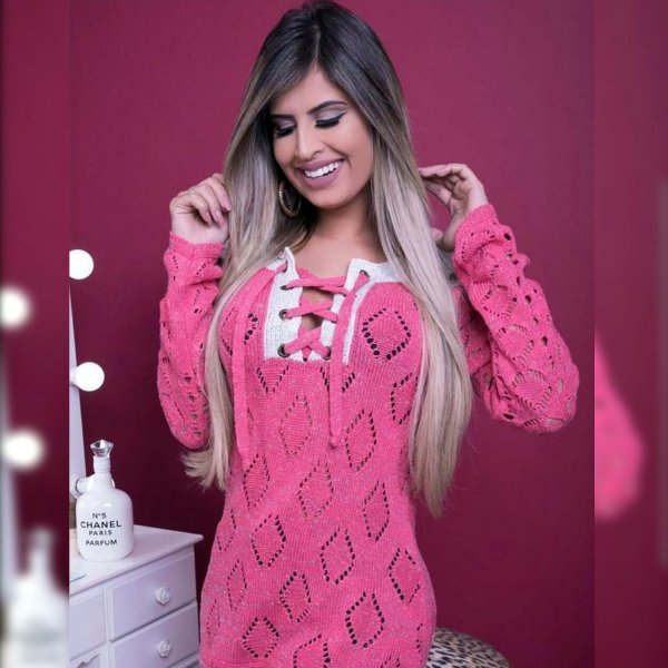 Blusa trico com ilhós pink